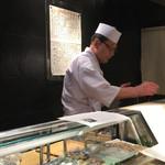 第三春美鮨 - 握っていない酢飯とシャリのみで同時対比