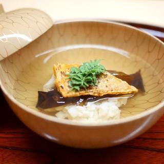 松川 - 料理写真:お椀 帆立貝真丈と生キクラゲとばちこ