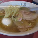 龍鳳 - 麺は地元の岡田製麺製