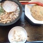 東珍康 - 炒飯定食950円