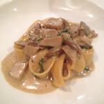 オルティージャ - ポルチーニ茸のクリームパスタ