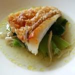 62193500 - 甘鯛のポワレ 小松菜 鶏のブイヨン