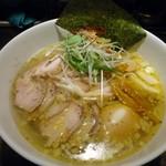 鷹流 - 「味玉白鶏麺」880円也。税込。