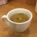 南海飯店 - 焼き飯とセットのスープ