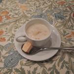 アトリエ パティオ - 春野菜のクラムチャウダー