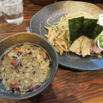 ラーメン 龍の家 - つけ麺もつ(中盛) 780円