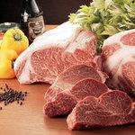 ビッグシェフ - 料理写真:シェフの厳しい目で選んだ最高の食材を使用しています。特撰黒毛和牛。