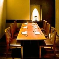 大事な接待から、各種ご宴会でご利用可能な上質空間。