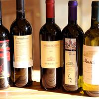 ピッツァに合わせたワインも充実