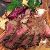 ピグレット - ブラックアンガス牛のビステッカステーキ