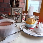 COCOA SHOP AKAITORI - スコーン バーディホットココア