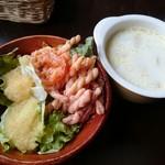 洋食屋チーフ - ローストビーフセット(1000円) サラダ&スープ