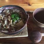 六六庵 - 料理写真:煮込み蕎麦(肉)