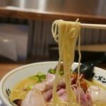 ラーメンムギュ - ストレート細麺