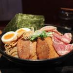 麺者すぐれ - 2017年2月再訪:つけ麺すぐれ 3種の肉+塩味玉 1.5倍盛り☆
