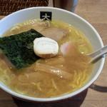 大島 - 昔風らーめん(860円)