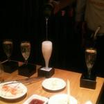 焼肉居酒屋 マルウシミート - こぼれスパークリング ¥500