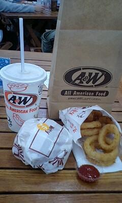 A&W 豊崎店