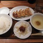 渋谷餃子 - ワンコイン定食¥500-