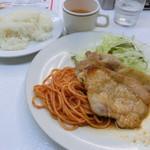 ボーイズカレー - 生姜焼き定食800円