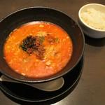 想吃担担面 - 汁有り担担麺 4辛大盛り 1,100円(税込)。