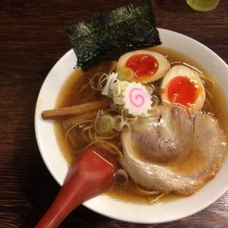 紡 - 料理写真:淡成らー麺(魚介系鶏清湯醤油味)+味玉