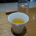 ヒトシナヤ - お茶代わりにかつおダシが出されます