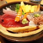 沼津 魚がし鮨 - 海鮮満腹丼ランチ