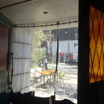 シクスバイオリエンタルホテル - ビニールカーテンの仕切り
