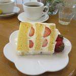 ラ・ファミーユ - いちごのケーキ