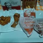 ケンタッキーフライドチキン - 料理写真:チキンフィレサンド、和風チキンカツサンド、ポテトL、オリジナルチキン、骨なしケンタッキー