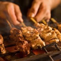 ◆朝〆地鶏の炭火焼・炉端焼き