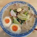 麺屋 ばんび - たっぷり野菜ラーメン+味付半熟煮玉子