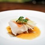 中華 たかせ - 東星ハタの '清蒸' 香港スタイル 葱生姜のフィッシュ醤油ソース