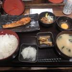 しんぱち食堂 - 朝しゃけ定食400円+納豆30円+玉子30円