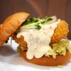 鮨屋が作る フィッシュバーガー専門店 deli fu cious - 料理写真:昆布〆フィッシュバーガー ソースは和風出汁の豆腐ソース