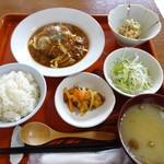 伊藤旅館 おうちごはん  - 料理写真:日替わり「ハンバーグ(デミグラスソース)定食