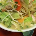 北海屋 - 1702 北海屋 ちゃんぽん@710円 なかなか麺まで辿り着けません。。。
