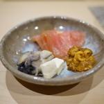鮨 はしもと - 牡蠣の味噌漬けとウニ