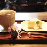 カフェ百時 - ベイクドチーズケーキセット