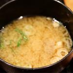 丸の内天ぷらめし 下の一色 - 味噌汁