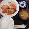 """とんかつ とん加""""亭 - 料理写真:日替りランチ・白身魚のムニエルとチキンかつ"""