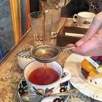 62592582 - サロン・ド・テは、お茶とお菓子、お食事も楽しめます
