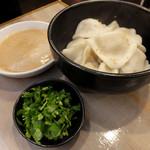 台湾麺線 - 水餃子108円(サービス品)
