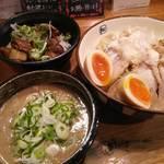 麺や拓 - 濃厚つけ麺(大)【チャーシュー増量】&チャーシュー丼 2017年2月11日