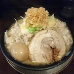 ラーメン勝盛軒 - 料理写真:野菜マシ、脂にんにくマシマシ+玉子トッピング
