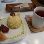 ビスキュイ - いちごとカマンベールと紅茶 とよのかいちご&ピーチ