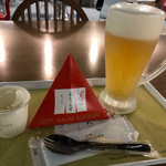 Cafeねんりん家 - ホットバームクーヘン(494円+税)、生ビール(500円+税)