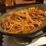 食堂 じみち - ナポリタン740円。ナポリタンだけどトマトソース寄りでケチャップ感はないかな。