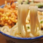 釜たけ流 うめだ製麺所 - 絹の様なしなやかさと適度なコシを持ち合わせた素晴らしい麺。